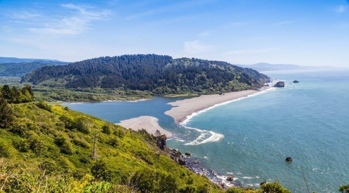 Klamath River end at the Pacific Ocean, view from the Klamath overview in Klamath, California